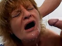 Mom has cumshot in orgy
