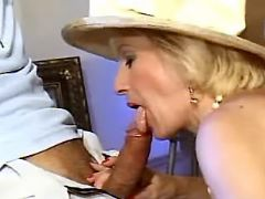 Splendid granny sucks fresh cock
