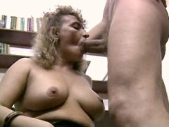 Aged mature does blowjob w pleasure