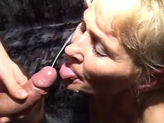 Old lady gets fuck and cum on face