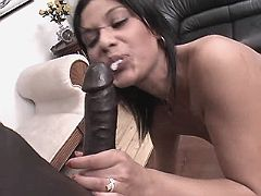 Mature gets licking and sucks dick